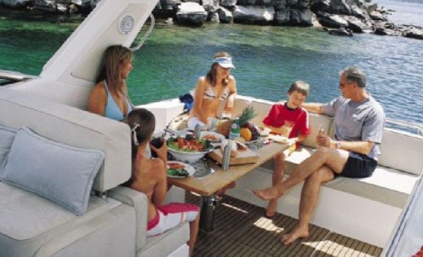 Christmas & Summer holidays on the Bay | Boat trips Melbourne