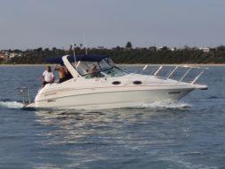 luxury boat hire melbourne
